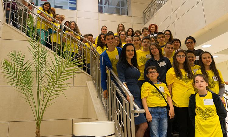Финалистите от състезанието Spelling Bee на посещение в Посолството